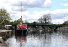 Castle Barge floating pub and coffee house